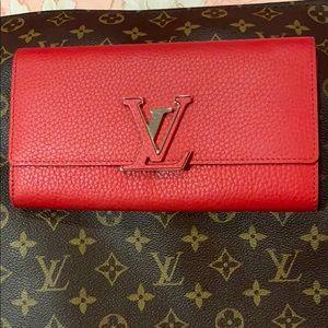 Louis Vuitton Cappucine Wallet